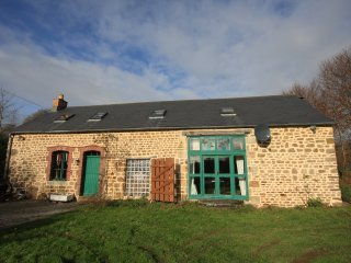 Pretty converted barn in a rural setting - Lonlay-l'Abbaye vacation rentals