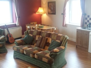 Avondale 2 Bright and spacious apartment in the center of lahinch - Lahinch vacation rentals