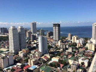 2BR with Grand View 26th Fl at Victoria de Manila - Manila vacation rentals