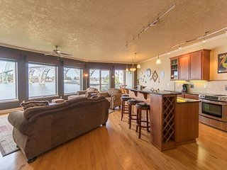 Luxury bay front condo just south of the Newport bridge with stunning views! - Newport vacation rentals