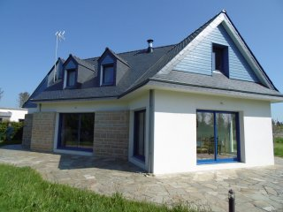 Vacation house for 8 (up to 10), 300 yards from the beaches - Lesconil vacation rentals