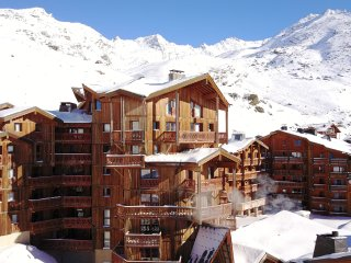 Spacious Condo with Internet Access and Shared Outdoor Pool - Val Thorens vacation rentals