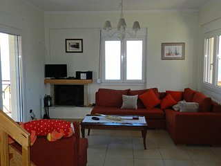 Nice Villa with Television and Water Views - Diakopto vacation rentals