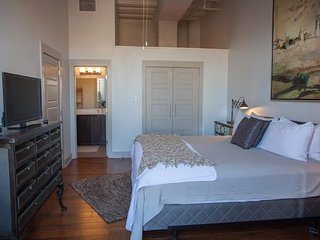 Luxury French Quarter Rental 50 ft off  Bourbon w/ Pool/Gym - Chateau Catalina - New Orleans vacation rentals