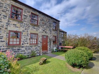 Comfortable Cottage with Washing Machine and Television - Prestatyn vacation rentals