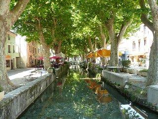 Charmant appartement au coeur de Goudargues avec vue sur le canal - Goudargues vacation rentals
