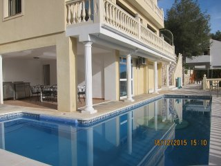 Detached villa near Nerja, with large pool, jacuzzi and fantastic seaview - La Herradura vacation rentals