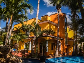 Private Luxury Villa Estate -Close to Playa and all attractions,pvt.pool,chef, - Playa del Carmen vacation rentals
