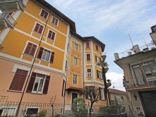 Nice Condo with Balcony and Washing Machine - Stresa vacation rentals