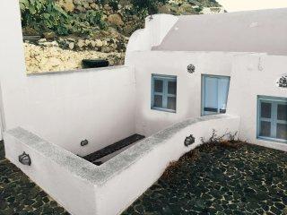 Timedrops Santorini Thira villa - Emporio vacation rentals