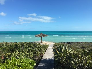 "El'Lure, 200"" on the Water Eleuthera - Gregory Town vacation rentals"