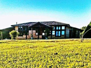Casa Brasileira - Sua casa de campo - Pindamonhangaba vacation rentals