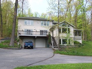 Luxurious comfort on a tranquil mountain top - Ephrata vacation rentals