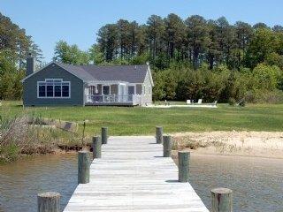 Cedar Point Chesapeake Bay Waterfront Cottage - Cambridge vacation rentals