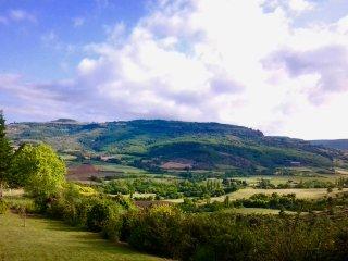 Ardèche Maison tout confort avec vue imprenable sur le plateau du Coiron - Villeneuve-de-Berg vacation rentals