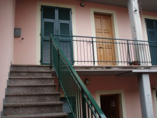 Nice Condo with Satellite Or Cable TV and Parking - Sesta Godano vacation rentals