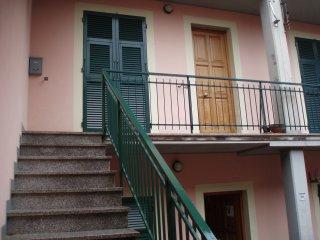 2 bedroom Apartment with Satellite Or Cable TV in Sesta Godano - Sesta Godano vacation rentals