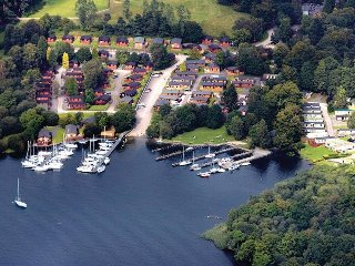 FABULOUS EIGHT BERTH LUXURY CARAVAN AT WHITE CROSS BAY WINDERMERE - Windermere vacation rentals