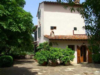Villa Florence Calenzano hills with pool, large garden, views, easy access, A/C. - Calenzano vacation rentals