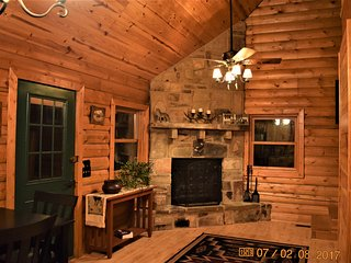 New! Real-Log, Loft-Style Cabin - Rock Fireplace, Direct Access to Wolf Pen Gap - Mena vacation rentals