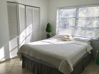 Comfortable, Peaceful and Safe Suite - Kendall vacation rentals