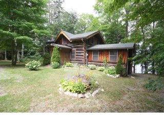 Lake Front Wolf Den Lodge in Calabogie - Calabogie vacation rentals