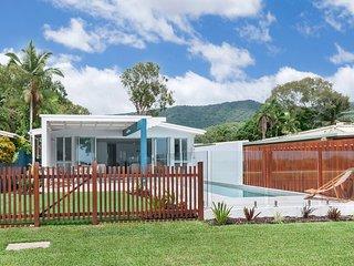 Arlington Beach House (Beachfront near Palm Cove) - Clifton Beach vacation rentals