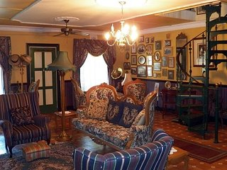 Bright Guest house with Internet Access and Wireless Internet - Graskop vacation rentals