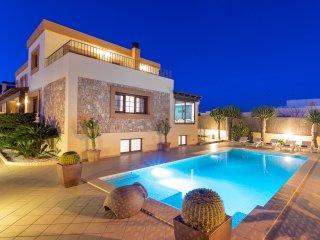 Stunning modern villa for large groups near Ibiza Town and Playa d'en Bossa. - Ibiza Town vacation rentals