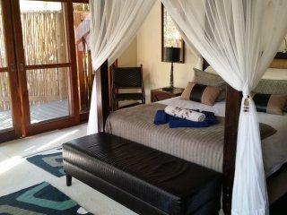 Luxury Bush Villa - Wildlife on your doorstep! - Hluhluwe vacation rentals