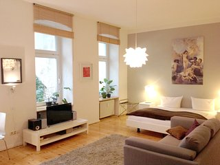 Berlin Wall + Mauerpark studio 1! - Berlin vacation rentals