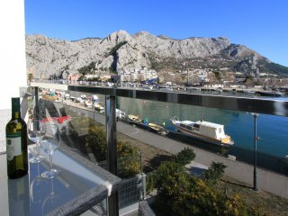 Luxury apartment with beautiful view and location! - Omis vacation rentals