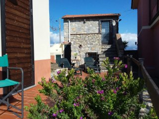 2 bedroom House with Internet Access in Montemarcello - Montemarcello vacation rentals