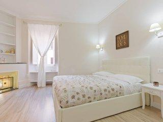 BUONGIORNO COLOSSEO APARTMENT - Rome vacation rentals