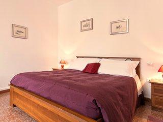Comfortable room with ample bathroom (B&B Benebenniu) - Alghero vacation rentals