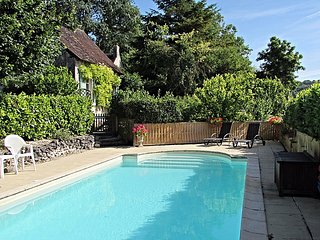 Lovely Cottage with Internet Access and A/C - Chaumussay vacation rentals