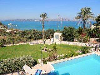 Villa Nina, gorgeous villa w/3 bedrooms & views, walk to beach, shops & tavernas - Almyrida vacation rentals