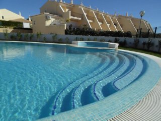 Townhouse/ 2 Bedrooms T2 - Praia Grande S. Rafael - Gale vacation rentals