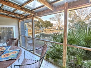 Simple 3BR Harkers Island Cottage w/Private Boat Ramp, Dock & Large Screened-in Porch - Prime Waterfront Location on Canal! Easy Access to Cape Lookout & Much More - Harkers Island vacation rentals