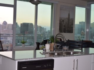 San Diego's best High-Rise - Pacific Beach vacation rentals