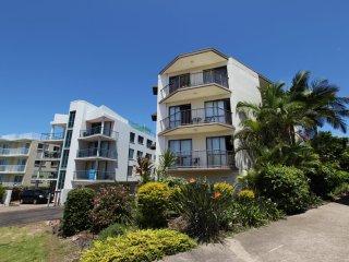 Ashwood Unit 7 Kings Beach QLD - Kings Beach vacation rentals