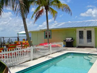 "THE FANCY FISH..Enjoy Pool ""Sandy Beach"" Boat Lift - Matlacha vacation rentals"