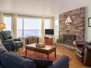 Captain Quarters-3 BD,kitchen,fireplace,oceanfront - Lincoln City vacation rentals