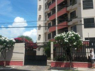 Apartamento no Bairro Atalaia Velho a 700 metros da orla - Aracaju vacation rentals