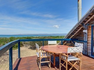 Dolphin Beach House - Indulgence by the sea - Swansea vacation rentals