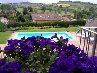 Villa Sofia holidays Piemonte - Montaldo Scarampi vacation rentals