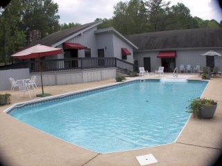 Chattanooga Vacation pool Wifi suntan Bed - Flintstone vacation rentals