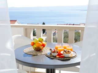 Bright 2 bedroom Apartment in Bol - Bol vacation rentals