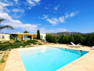 Nice Villa with Parking and Private Outdoor Pool - L'Ametlla de Mar vacation rentals