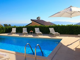 Villa Edelweiss with HEATED POOL! - Icici vacation rentals